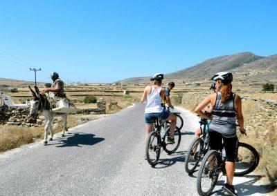 tours-Paros-cycling-adventure